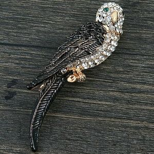 Gold plated Crystal bird Brooch.